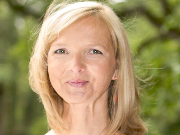 Claudia Riecken, Yoga-Lehrerin